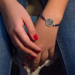 Pulsera Stranger Things 18 cm macrame azul marino y plata de ley 925